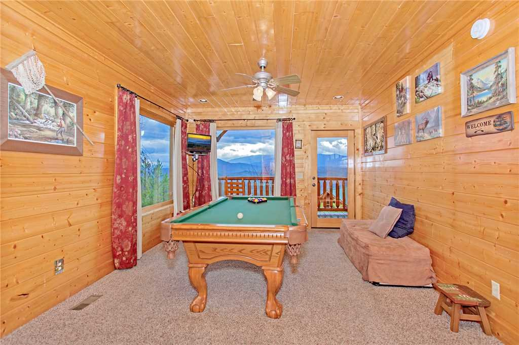 Photo of a Pigeon Forge Cabin named 100 Mile View - This is the tenth photo in the set.