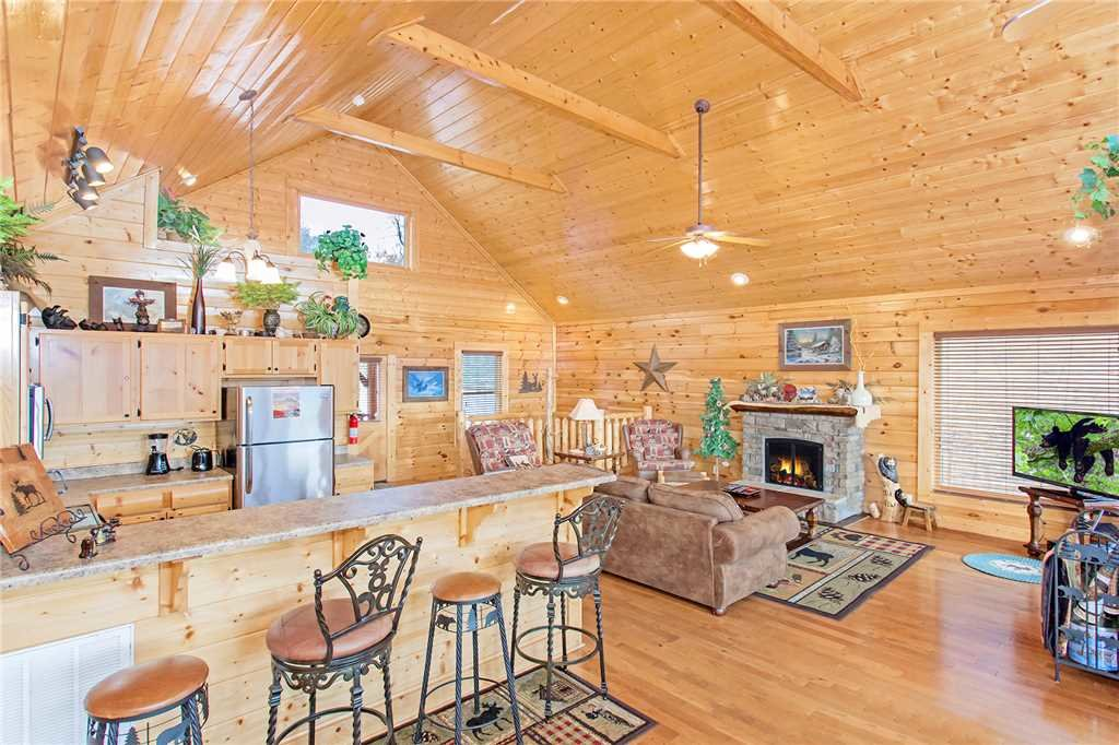 Photo of a Pigeon Forge Cabin named 100 Mile View - This is the sixth photo in the set.