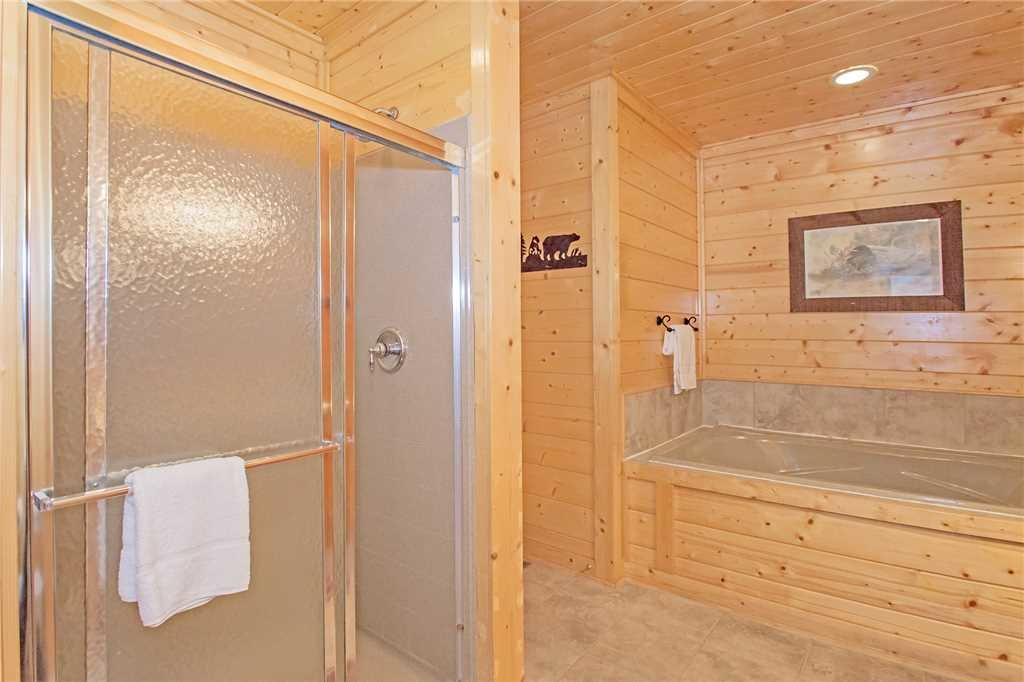 Photo of a Pigeon Forge Cabin named 100 Mile View - This is the thirteenth photo in the set.