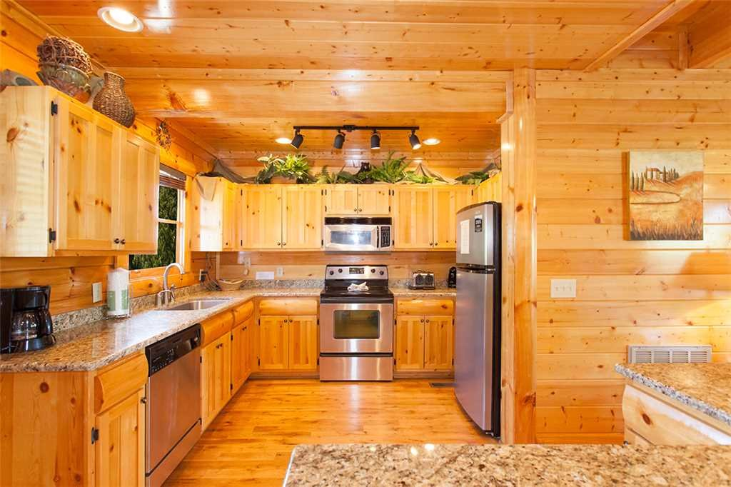 Photo of a Pigeon Forge Cabin named Cherokee Lodge - This is the eighth photo in the set.
