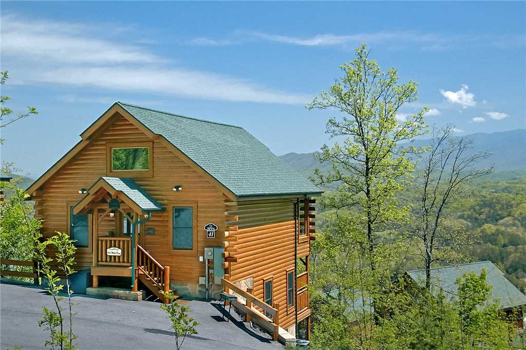 Photo of a Pigeon Forge Cabin named 100 Mile View - This is the twenty-second photo in the set.