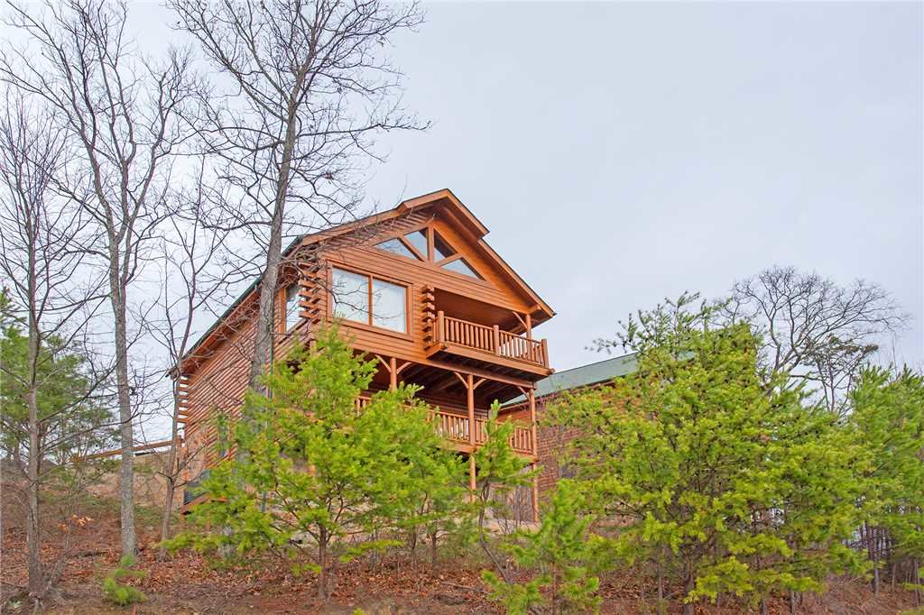 Photo of a Pigeon Forge Cabin named 100 Mile View - This is the twenty-fifth photo in the set.