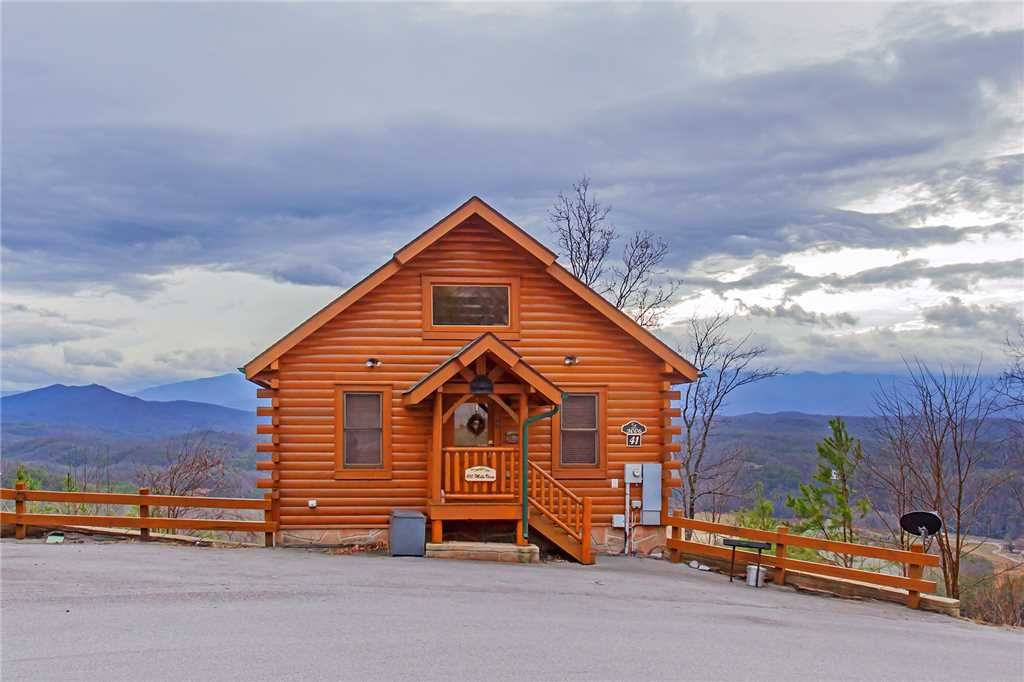 Photo of a Pigeon Forge Cabin named 100 Mile View - This is the twenty-sixth photo in the set.