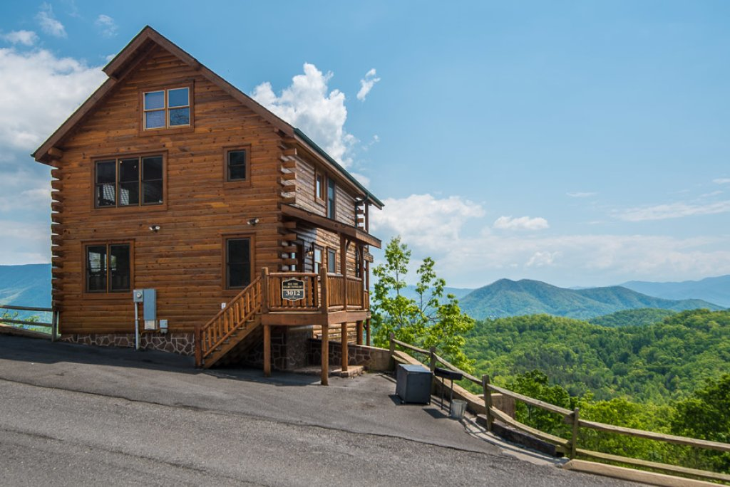 Photo of a Sevierville Cabin named See The Stars Tonight - This is the first photo in the set.