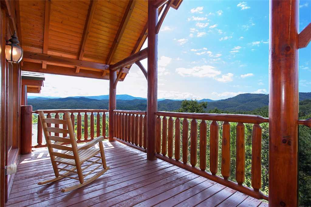 Photo of a Pigeon Forge Cabin named Cherokee Lodge - This is the twenty-second photo in the set.