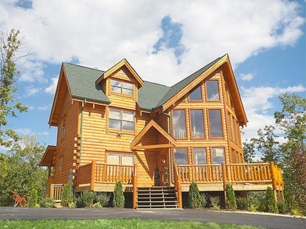 Photo of a Pigeon Forge Cabin named Splish Splash - This is the first photo in the set.