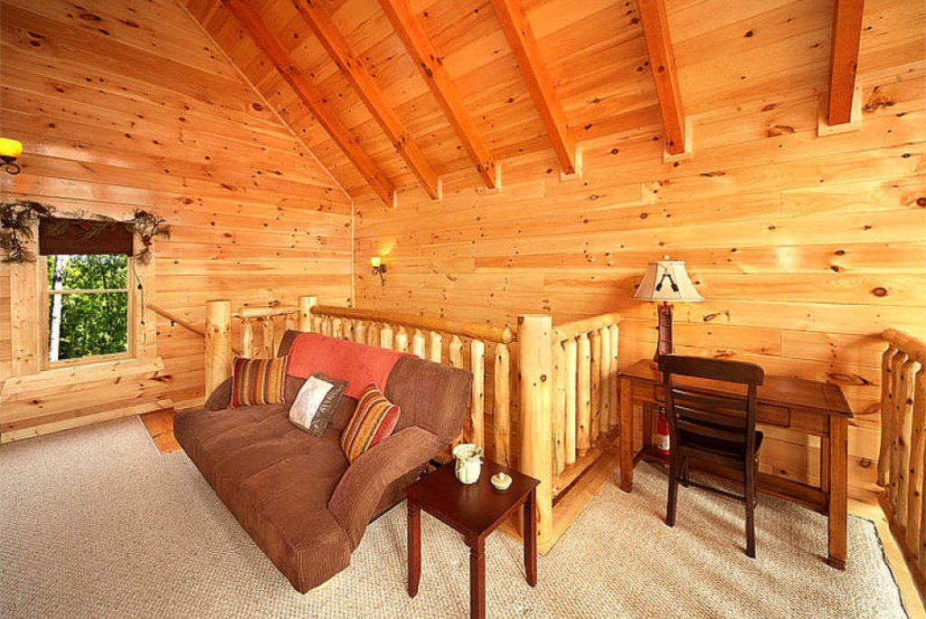 Photo of a Pigeon Forge Cabin named Splish Splash - This is the third photo in the set.