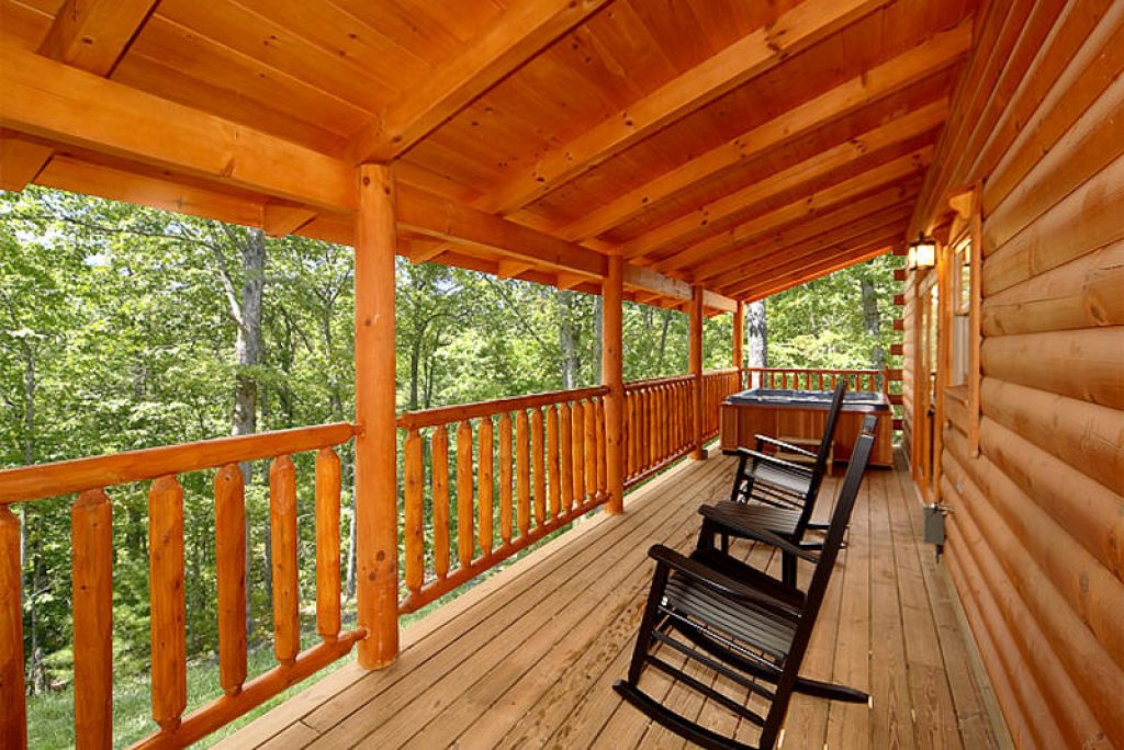 Photo of a Pigeon Forge Cabin named Splish Splash - This is the eighteenth photo in the set.