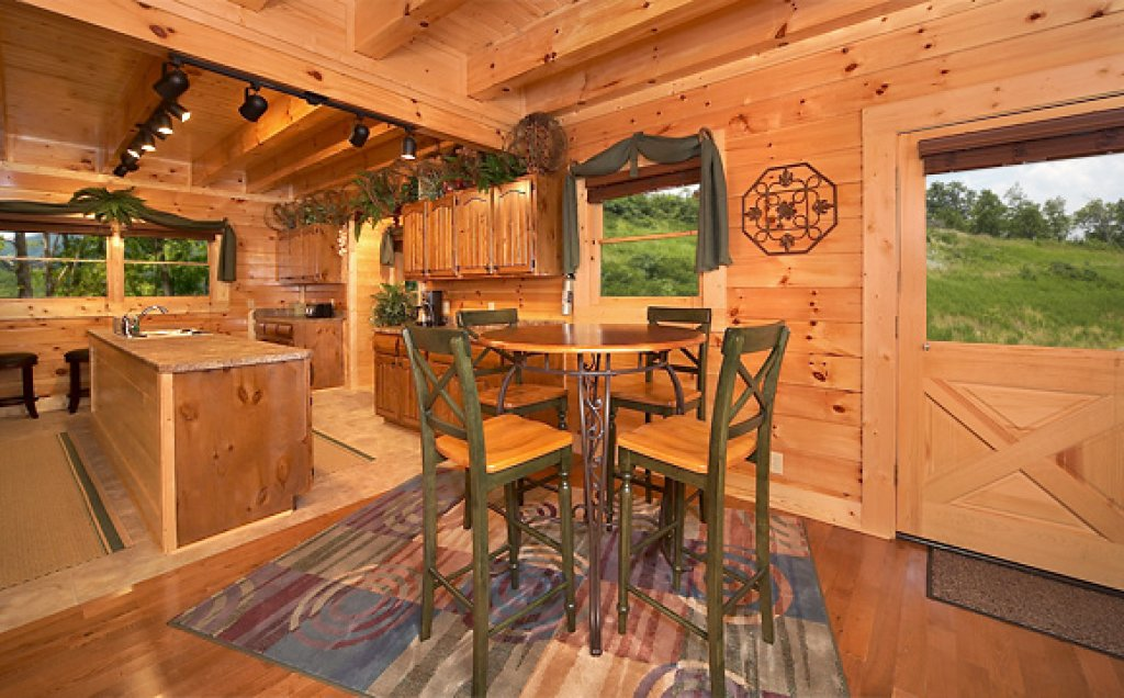 Photo of a Pigeon Forge Cabin named Sequoyah Manor - This is the seventh photo in the set.