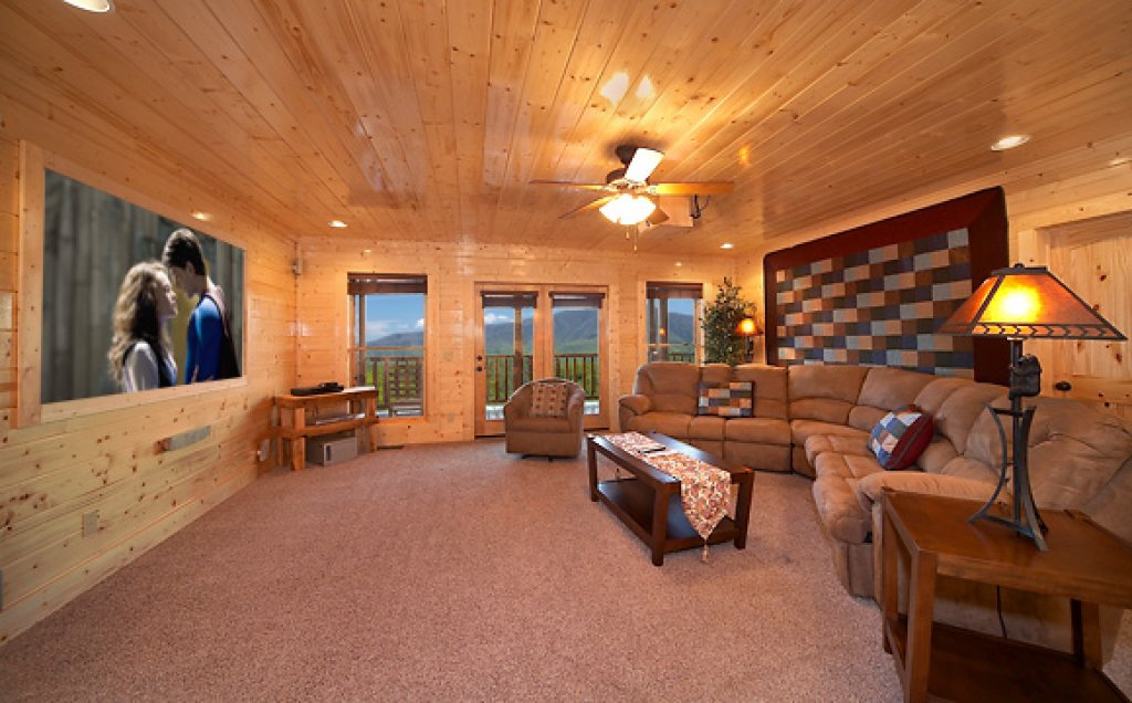 Photo of a Pigeon Forge Cabin named Sequoyah Manor - This is the nineteenth photo in the set.