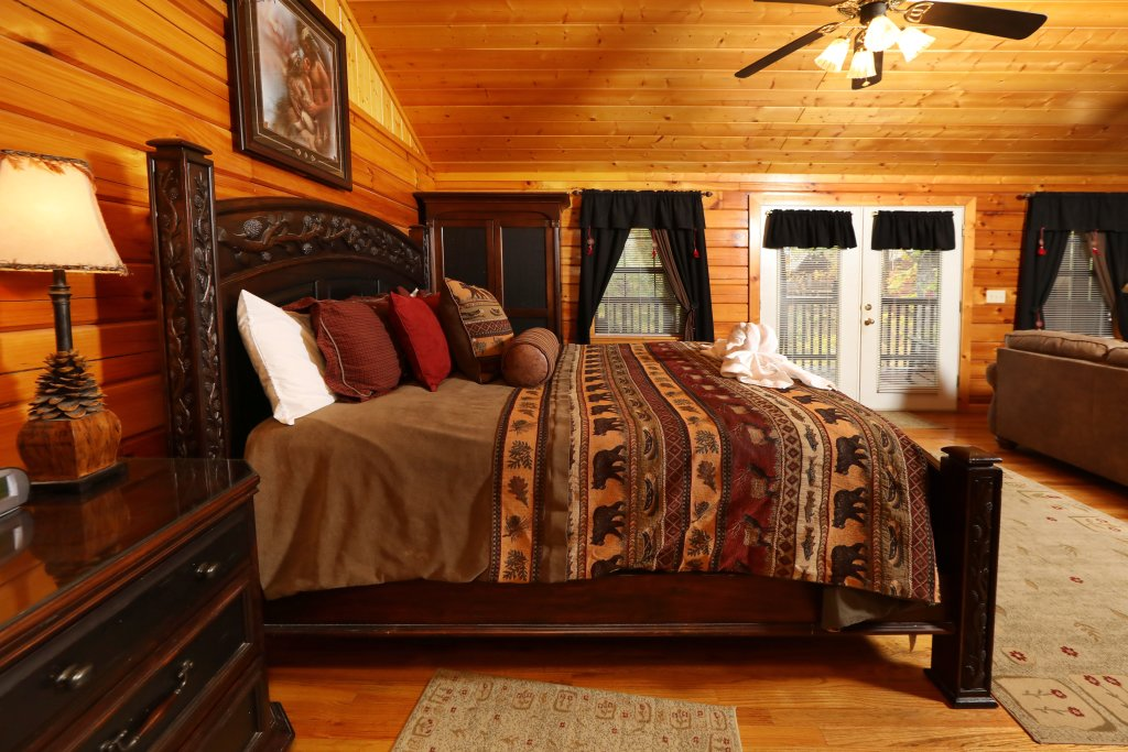Photo of a Pigeon Forge Cabin named Cherokee Nights #132 - This is the tenth photo in the set.