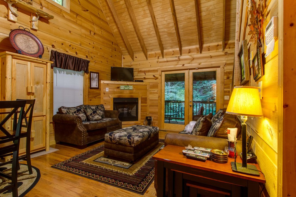 Photo of a Gatlinburg Cabin named All About Serenity - This is the second photo in the set.