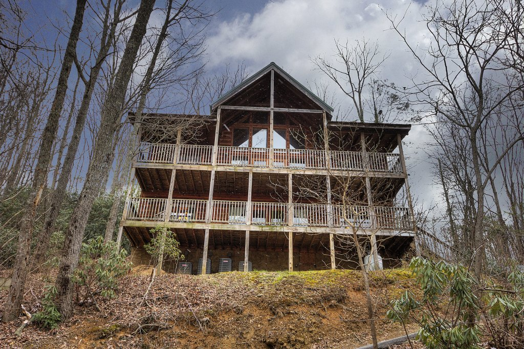 Photo of a Gatlinburg Cabin named Above It All  #446 - This is the forty-fourth photo in the set.