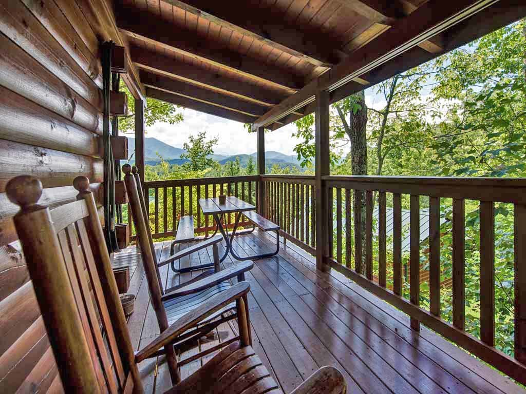 Photo of a Gatlinburg Cabin named Whisper Mountain - This is the fifteenth photo in the set.