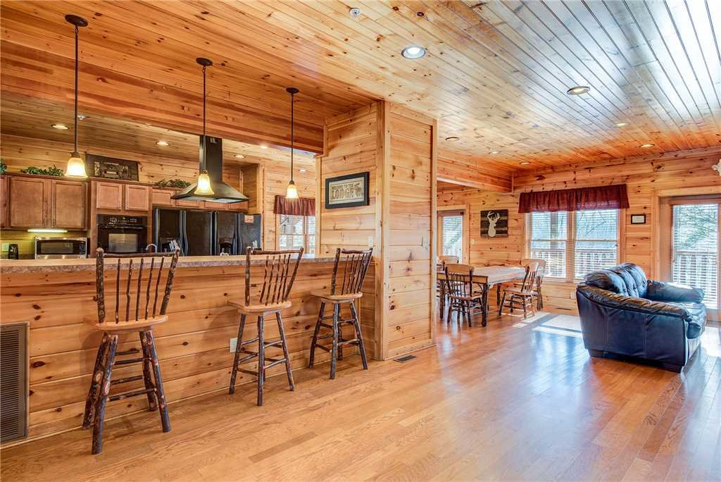 Photo of a Gatlinburg Cabin named Mountain View Lodge - This is the seventh photo in the set.
