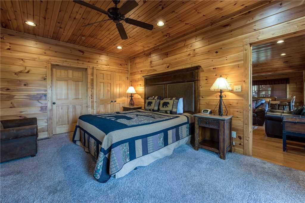 Photo of a Gatlinburg Cabin named Mountain View Lodge - This is the seventeenth photo in the set.