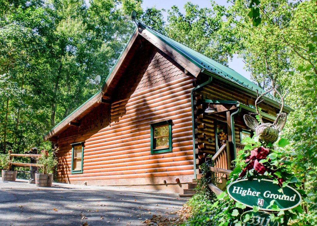 Photo of a Pigeon Forge Cabin named Higher Ground #21 - This is the second photo in the set.