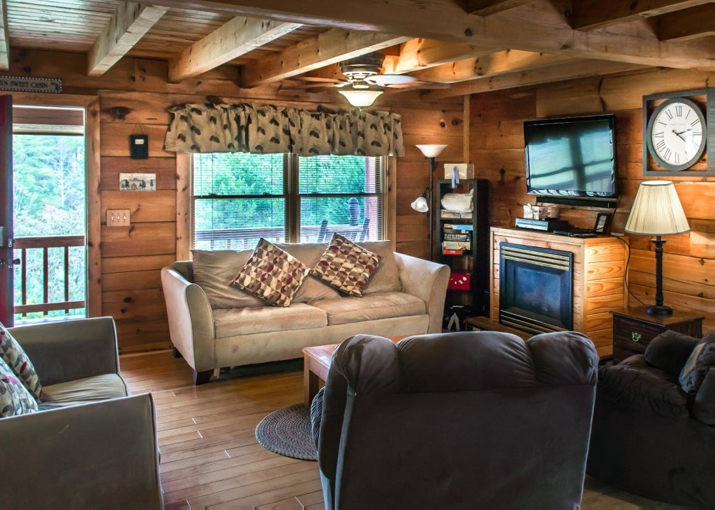 Photo of a Pigeon Forge Cabin named Leconte Nirvana  - This is the fifth photo in the set.