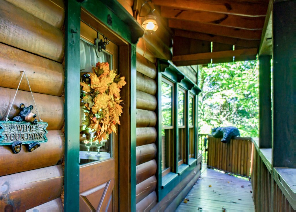 Photo of a Pigeon Forge Cabin named Higher Ground #21 - This is the twenty-sixth photo in the set.