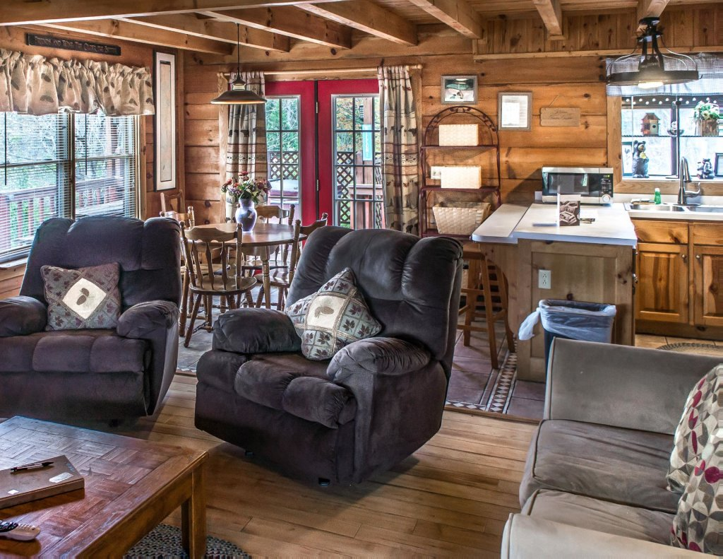 Photo of a Pigeon Forge Cabin named Leconte Nirvana  - This is the sixth photo in the set.