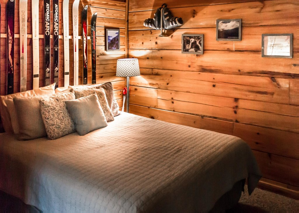 Photo of a Pigeon Forge Cabin named Leconte Nirvana  - This is the seventeenth photo in the set.