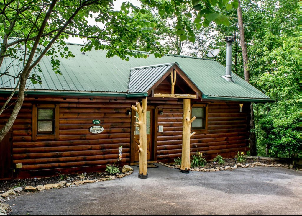 Photo of a Pigeon Forge Cabin named Cub House #14 - This is the third photo in the set.