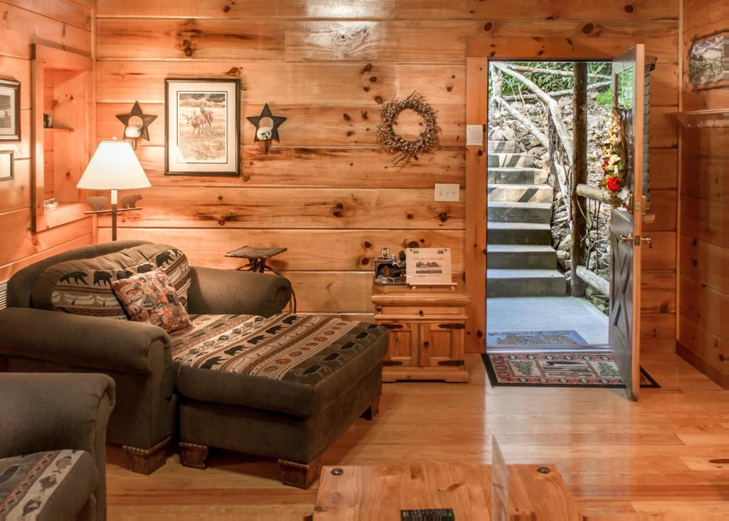 Photo of a Pigeon Forge Cabin named Bear Crossing #6 - This is the fifth photo in the set.