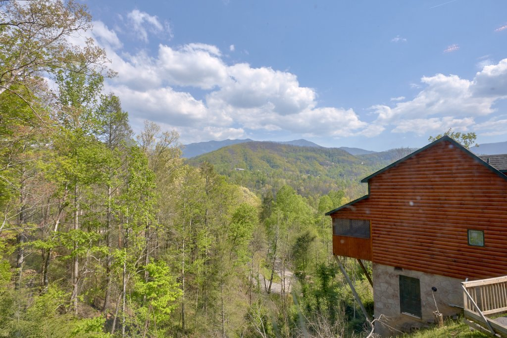 Photo of a Gatlinburg Cabin named Romantic Views - This is the twenty-first photo in the set.