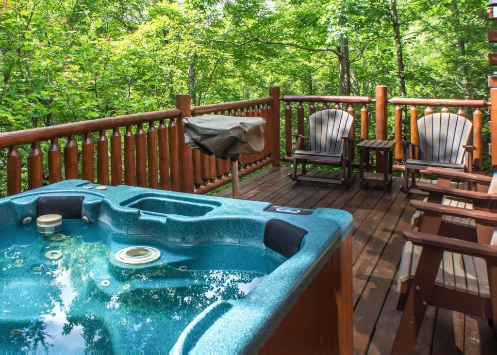 Photo of a Pigeon Forge Cabin named Cub House #14 - This is the nineteenth photo in the set.