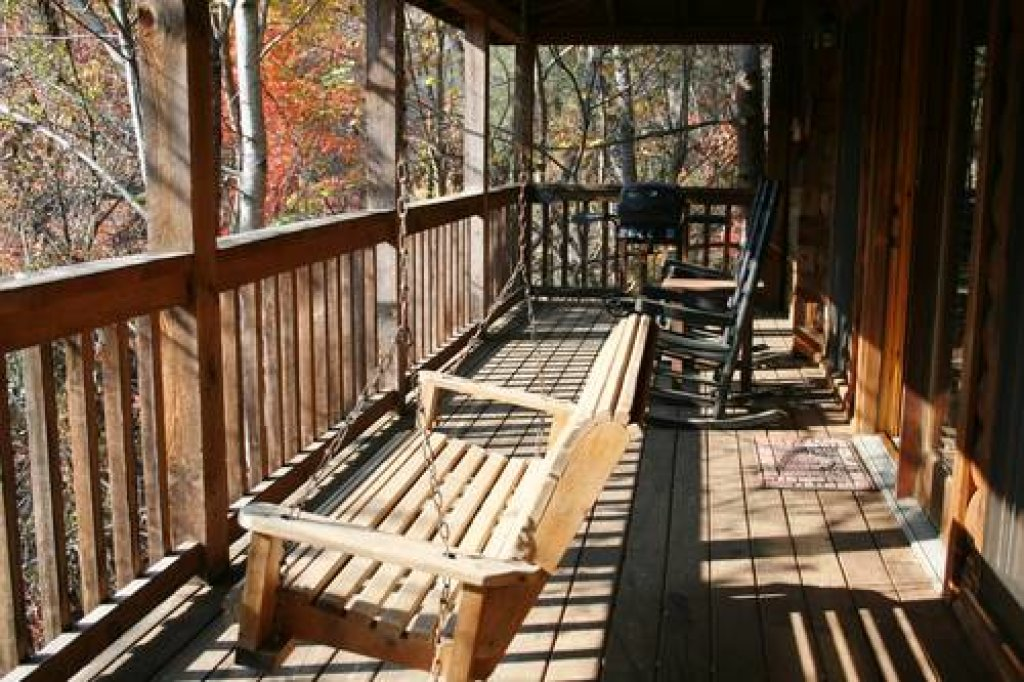 Photo of a Pigeon Forge Cabin named Cabin Fever - 117 - This is the sixteenth photo in the set.