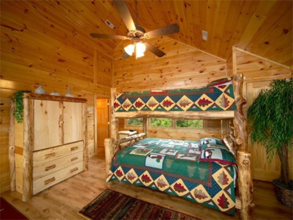 Photo of a Pigeon Forge Cabin named A True Dream - This is the eighth photo in the set.