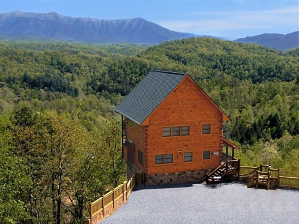 Photo of a Pigeon Forge Cabin named A True Dream - This is the second photo in the set.