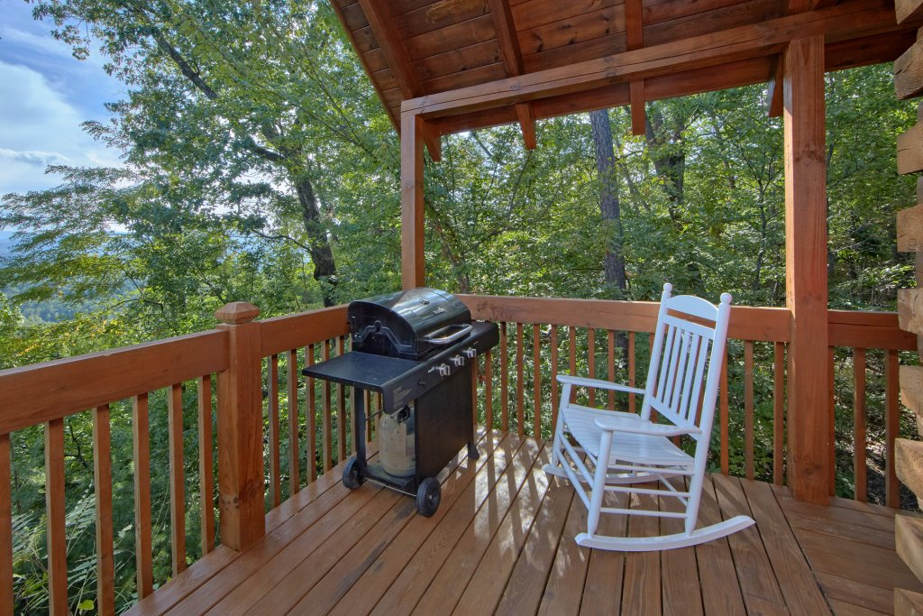 Photo of a Pigeon Forge Cabin named A View For All Seasons #405 - This is the twenty-second photo in the set.