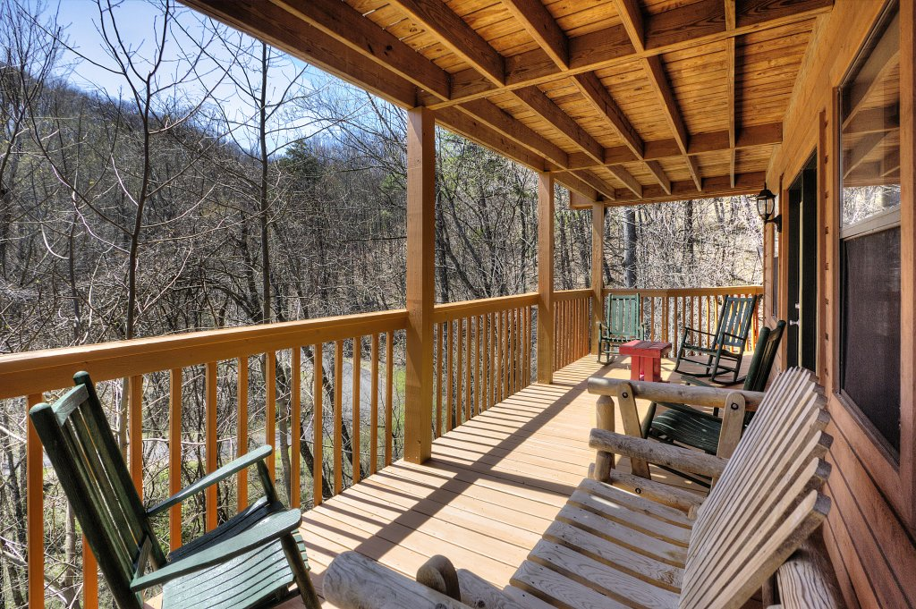 Photo of a Gatlinburg Cabin named Bear Run Getaway #1136 - This is the fortieth photo in the set.