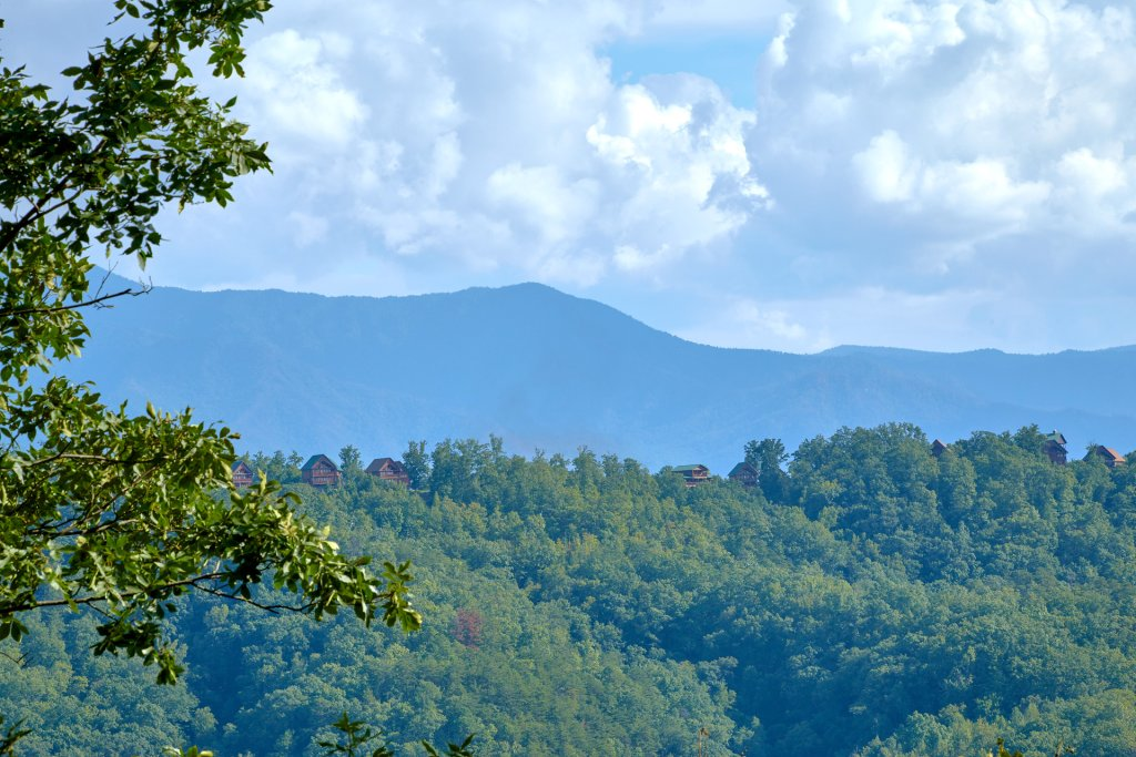 Photo of a Pigeon Forge Cabin named A View For All Seasons #405 - This is the twenty-fifth photo in the set.