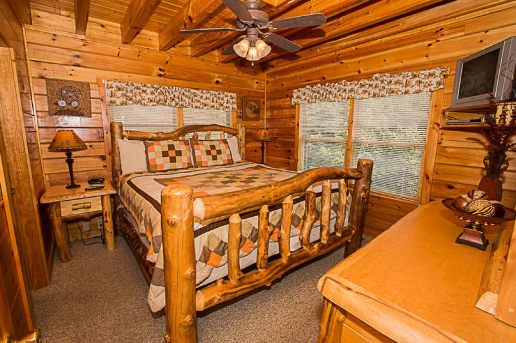 Photo of a Pigeon Forge Cabin named A True Dream - This is the sixth photo in the set.