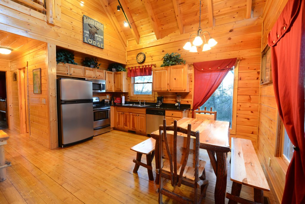 Photo of a Gatlinburg Cabin named Mountain Paradise #295 - This is the sixth photo in the set.