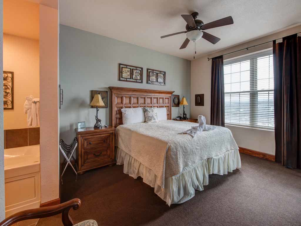 Photo of a Pigeon Forge Condo named Pinnacle Condo - This is the tenth photo in the set.