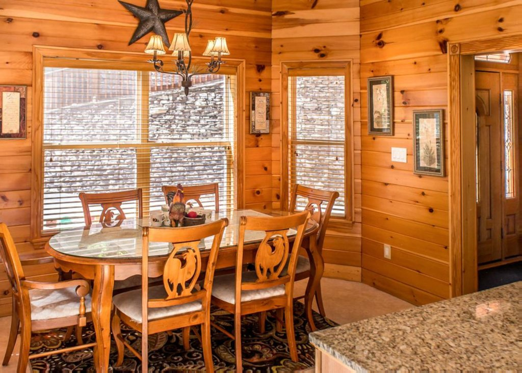 Photo of a Gatlinburg Chalet named King Of The Mountain - This is the seventh photo in the set.
