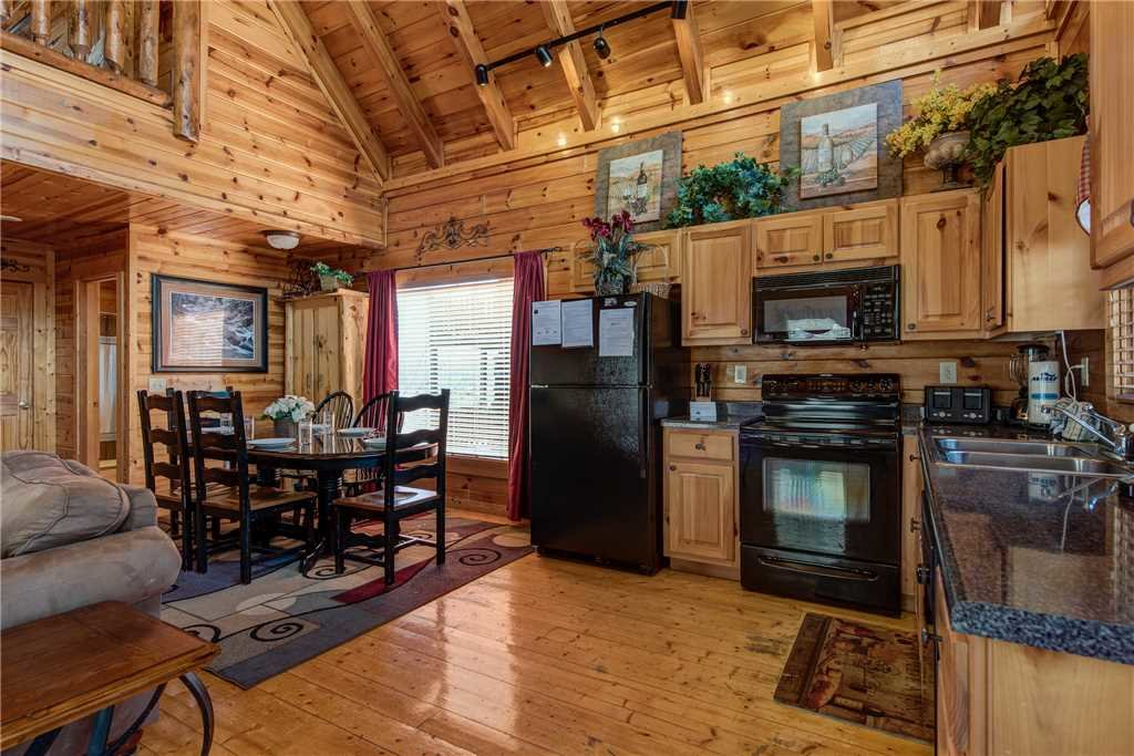 Photo of a Pigeon Forge Cabin named Mountain View Escape - This is the fifth photo in the set.