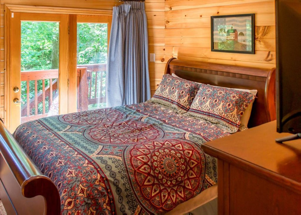 Photo of a Gatlinburg Chalet named King Of The Mountain - This is the nineteenth photo in the set.