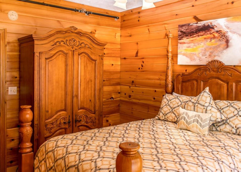 Photo of a Gatlinburg Chalet named King Of The Mountain - This is the twenty-second photo in the set.