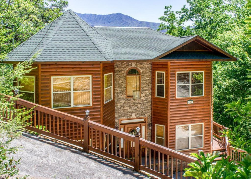 Photo of a Gatlinburg Chalet named King Of The Mountain - This is the twenty-eighth photo in the set.
