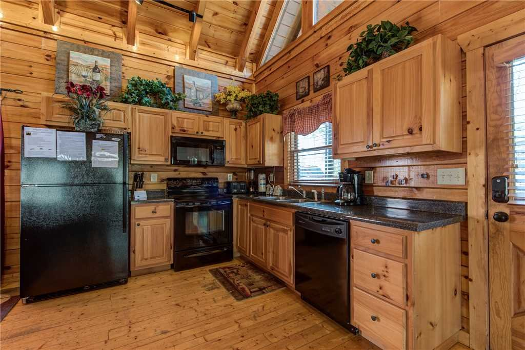Photo of a Pigeon Forge Cabin named Mountain View Escape - This is the sixth photo in the set.