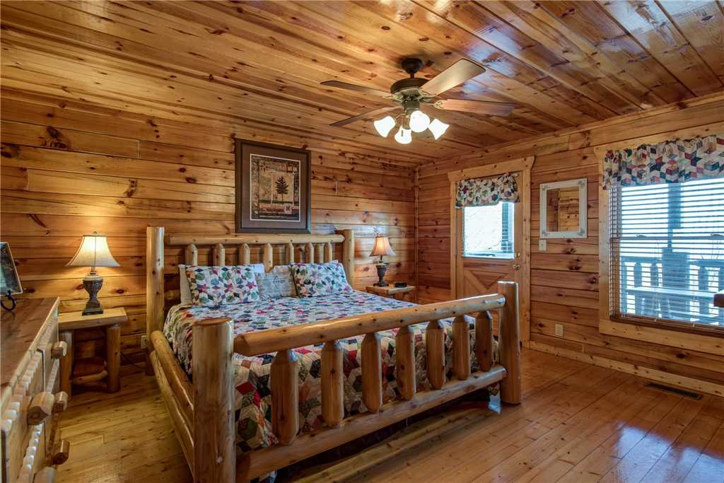 Photo of a Pigeon Forge Cabin named Mountain View Escape - This is the tenth photo in the set.