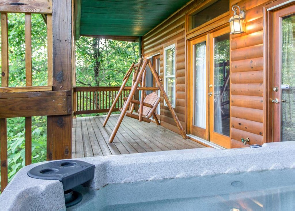 Photo of a Gatlinburg Chalet named King Of The Mountain - This is the twenty-sixth photo in the set.