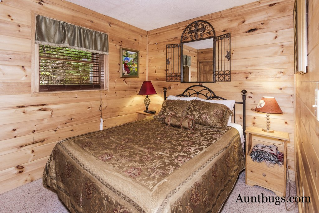 Photo of a Pigeon Forge Cabin named Beaver Fever #229 - This is the thirty-second photo in the set.