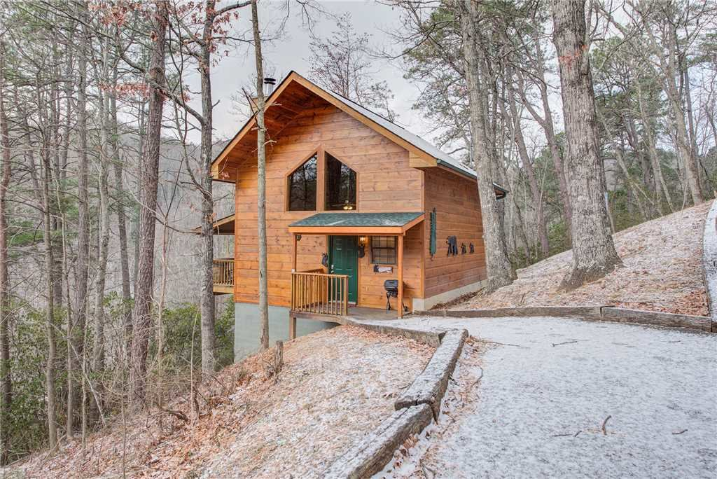 Photo of a Gatlinburg Cabin named Bearadise - This is the first photo in the set.