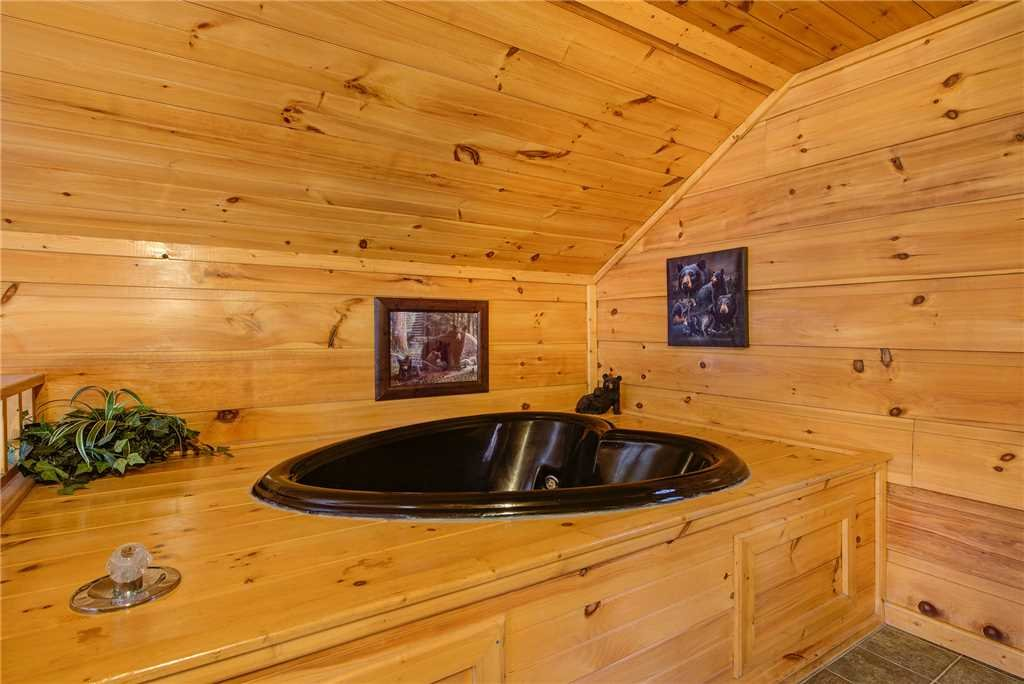 Photo of a Gatlinburg Cabin named Bearadise - This is the thirteenth photo in the set.