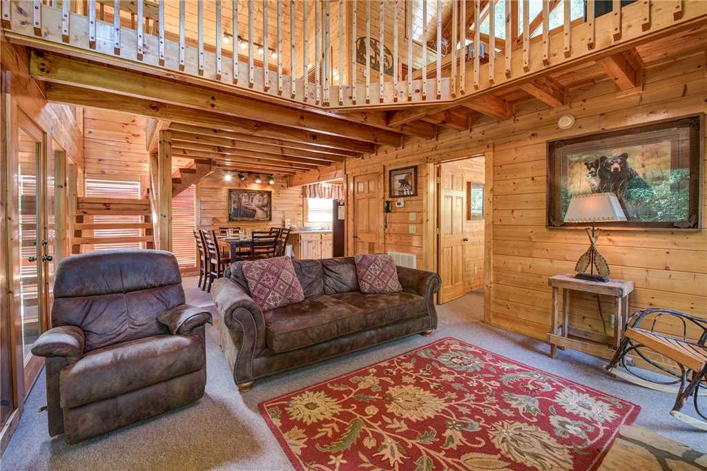 Photo of a Pigeon Forge Cabin named Creekside Romance - This is the fourth photo in the set.
